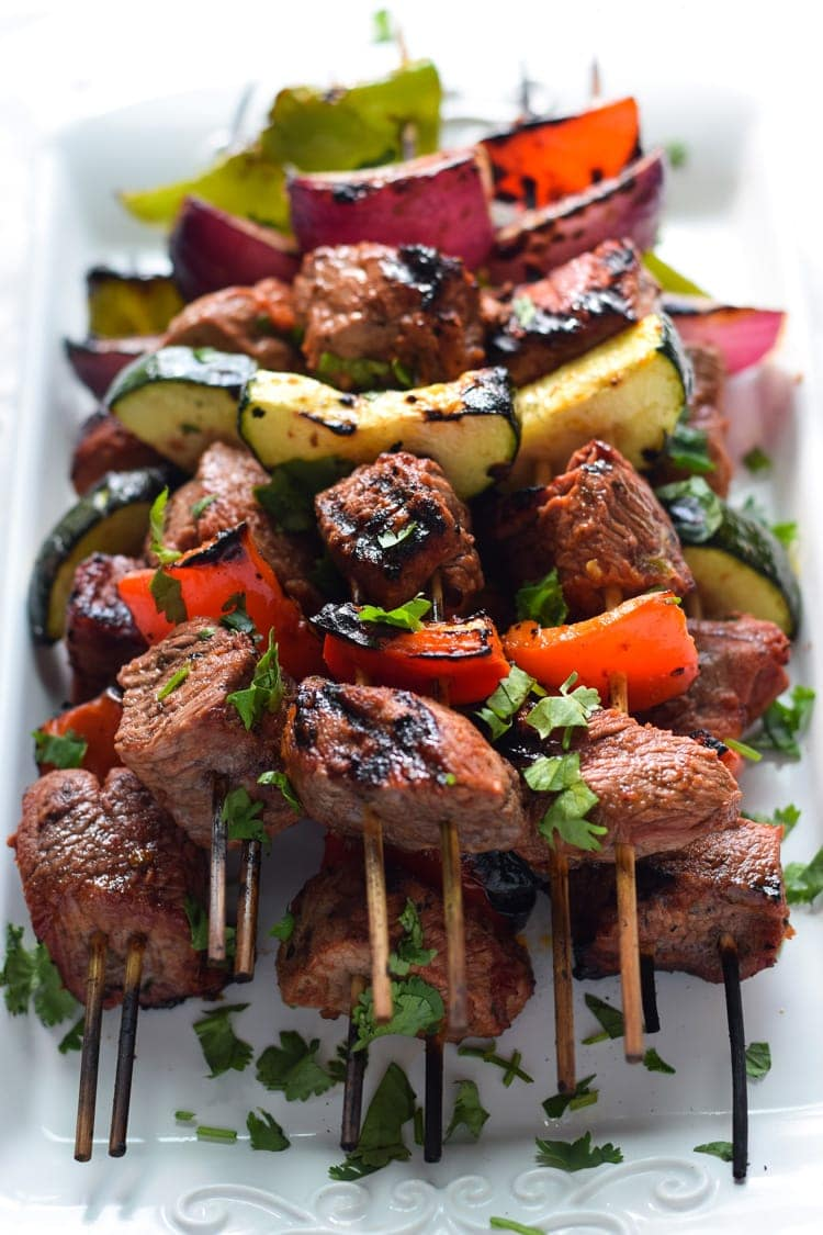 Made with marinated sirloin steak and delicious vegetables, these Easy Beef Skewers are the perfect low carb appetizer or healthy dinner!